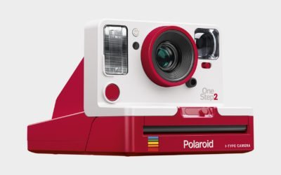 Mettiti in posa! E' arrivata la Polaroid Originals One Step 2 red edition