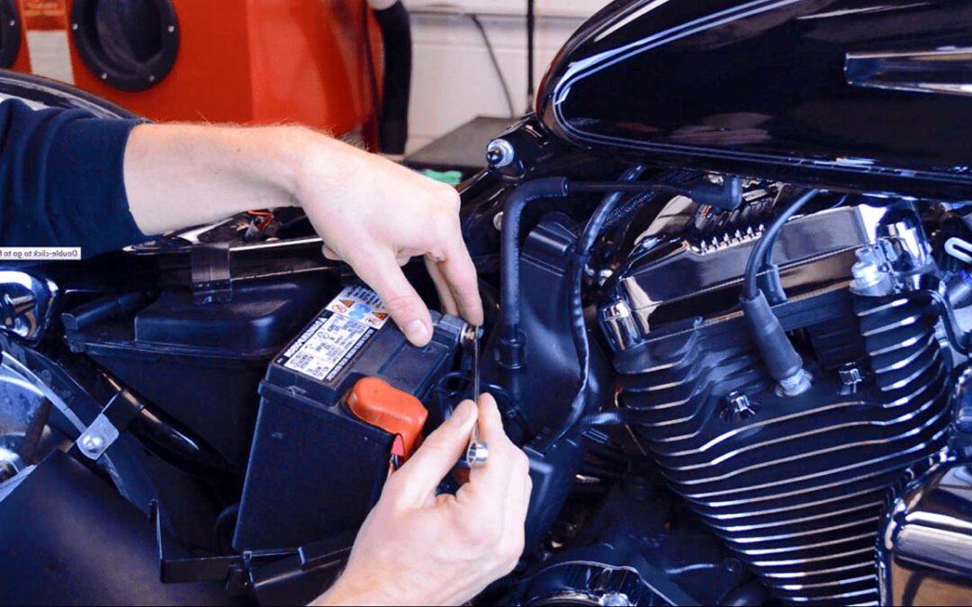 Sostituire la batteria della moto
