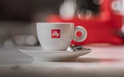 Caffè gratis nei bar di Milano, parte oggi l'iniziativa di Illy per festeggiare la riapertura