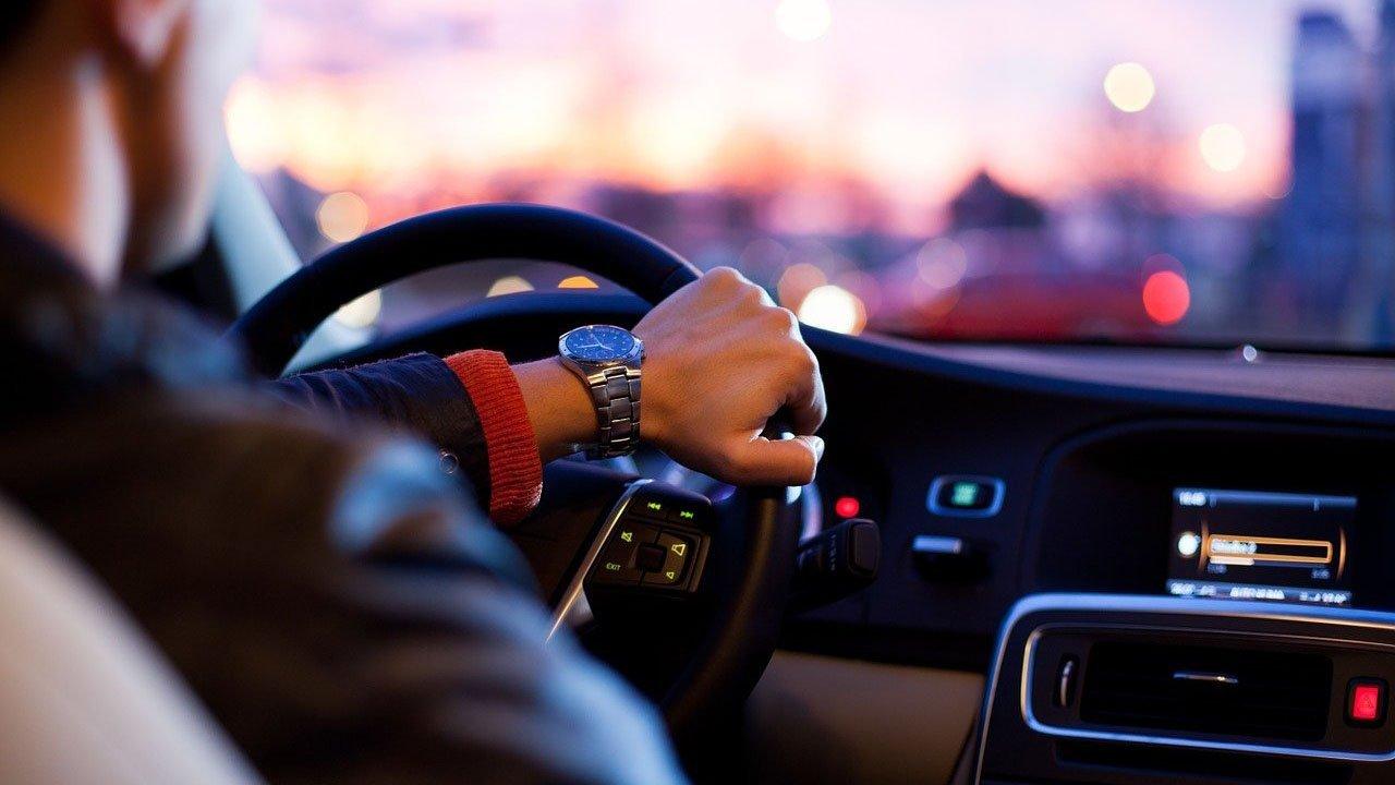 Compromesso tra auto nuova e risparmio? 6 cose da sapere per chi vuole accedere a un finanziamento auto