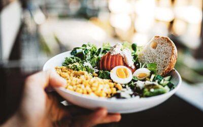 Come seguire una corretta alimentazione fuori casa. Dott.ssa Elena Brugnatti