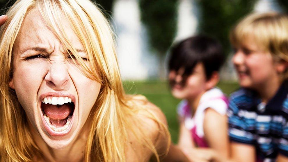 Vere e proprie crisi di nervi! Genitori all'epoca del Covid-19