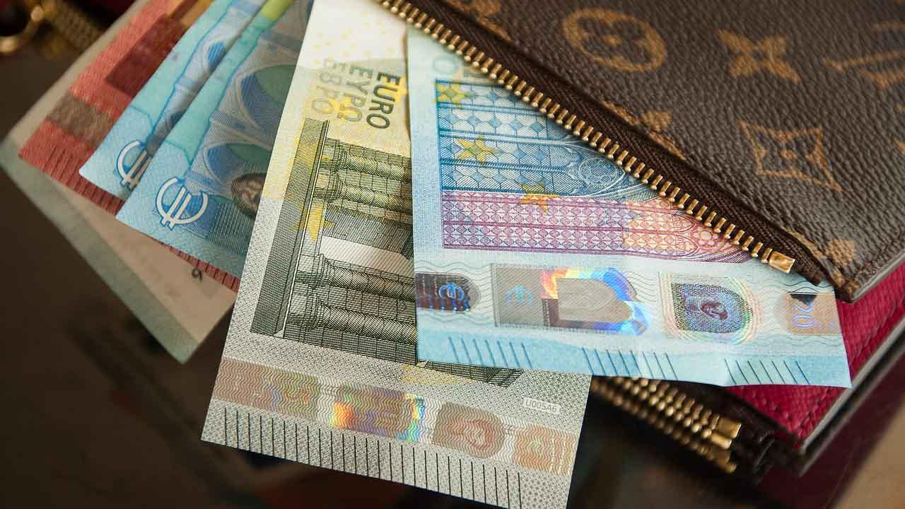Decreto Sostegni bis, Bonus di 1.000 euro per alcune Partite Iva. Ecco chi ne potrà beneficiare