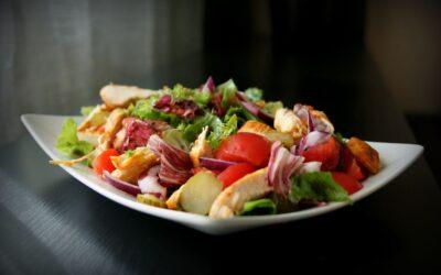 Insalatona del Nutrizionista! Carboidrati, Proteine e Grassi: come e quanto mangiare durante la pausa pranzo