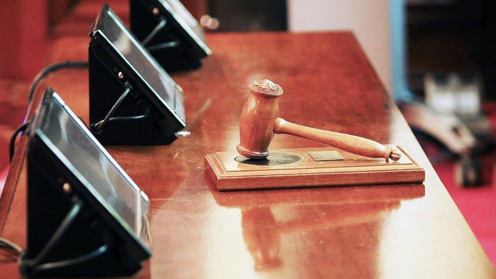 Articolo 18, licenziamento economico: è obbligatoria la reintegrazione del dipendente