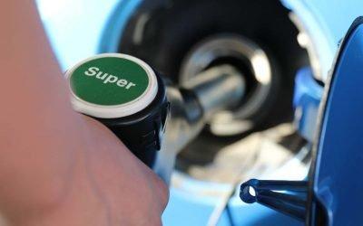 Prezzi benzina e gasolio, stop al rincaro grazie all'accordo tra i produttori e l'Opec