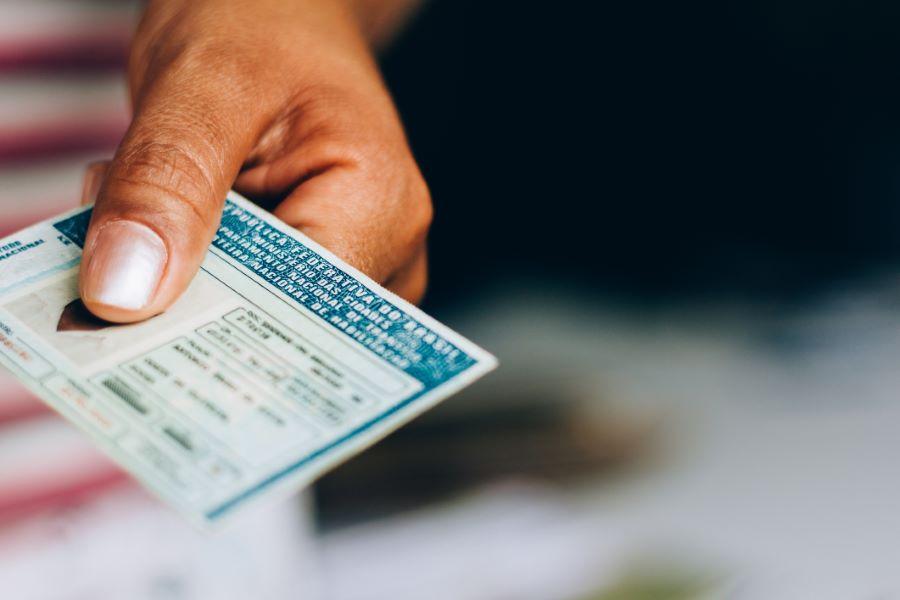 Alle prese con il rinnovo patente? Le 6 cose da sapere secondo automobile.it