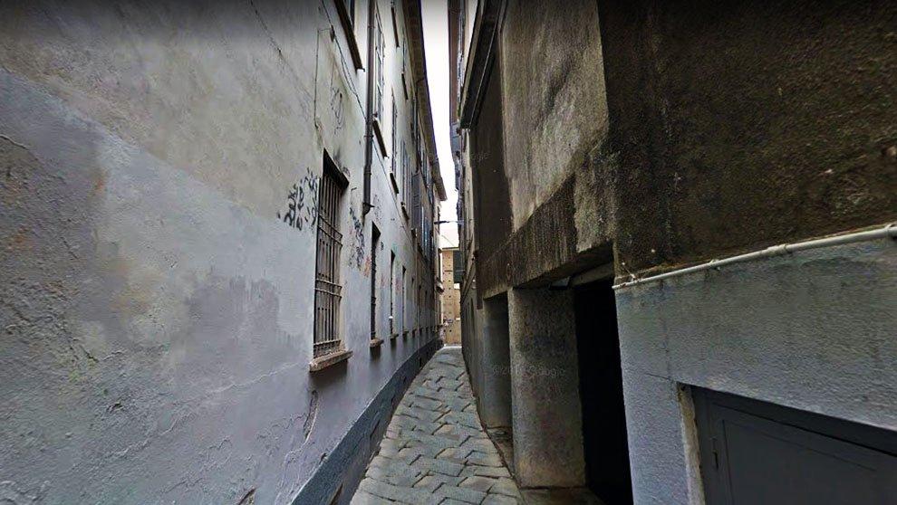 In via Bagnera, dietro via Torino, il primo serial killer di Milano